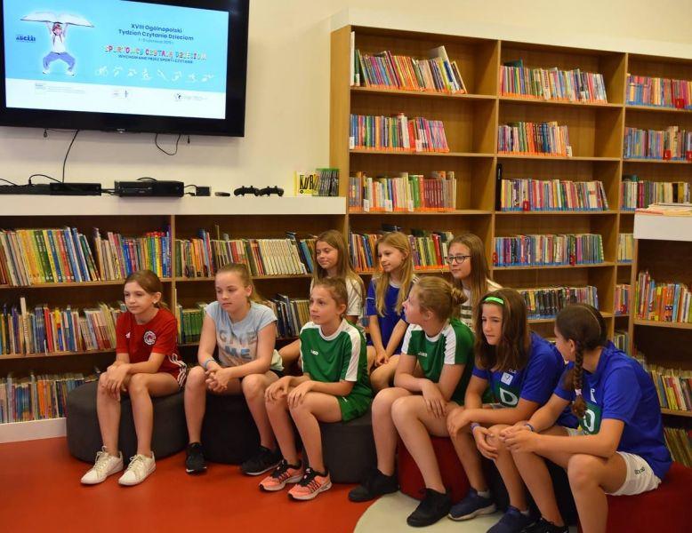 Sportowcy-czytaj-dzieciom31