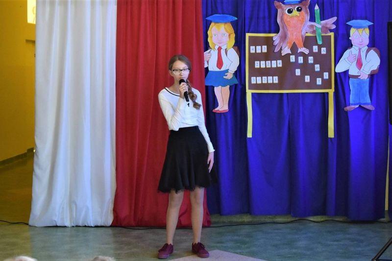 Dzie-nauczyciela-i-pasowanie-w-Stojeszynie-i-W-ach11