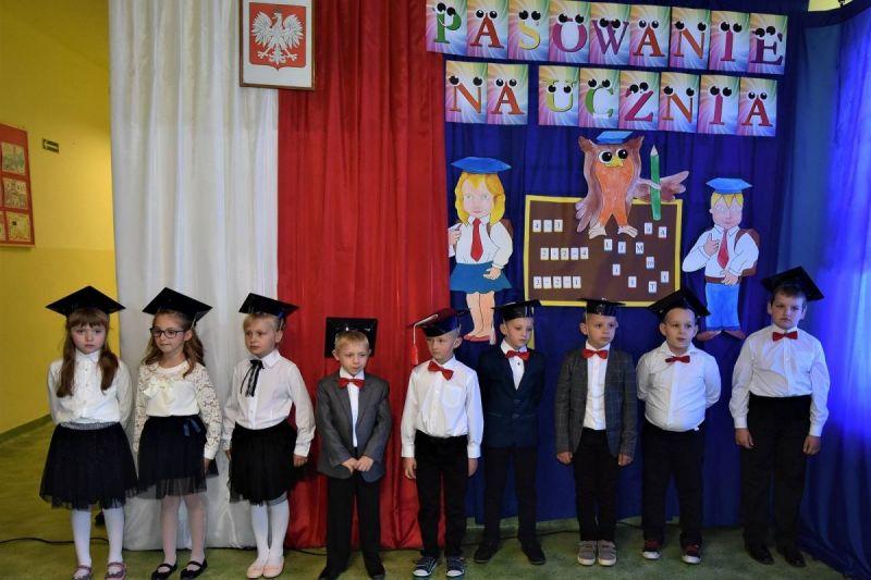 Dzie-nauczyciela-i-pasowanie-w-Stojeszynie-i-W-ach27