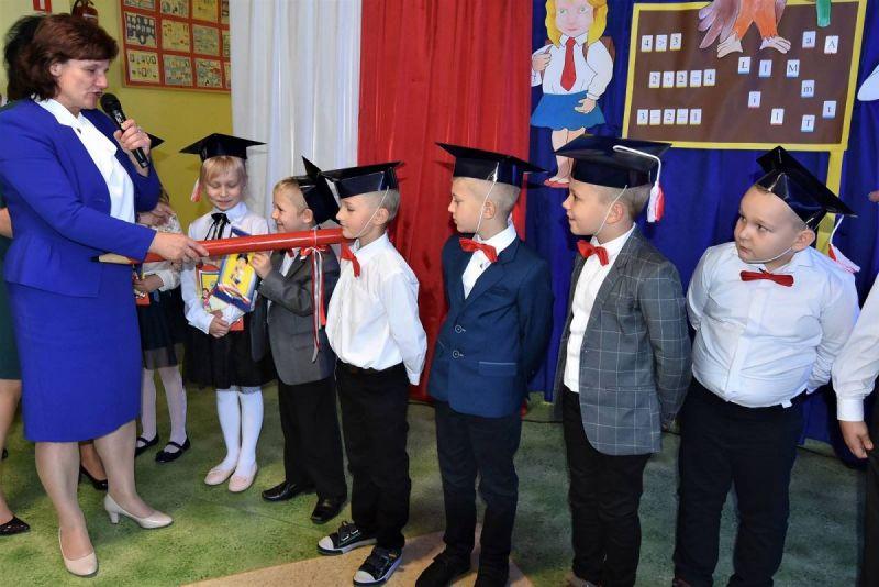Dzie-nauczyciela-i-pasowanie-w-Stojeszynie-i-W-ach33