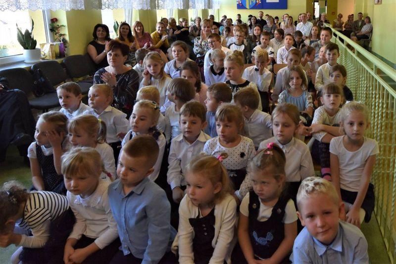Dzie-nauczyciela-i-pasowanie-w-Stojeszynie-i-W-ach41