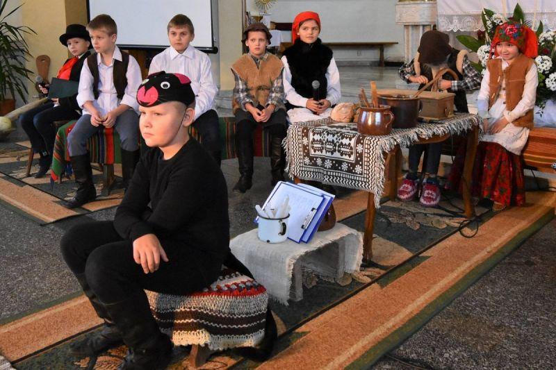 Wierzchowiska-przedstawienie01